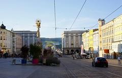 Linz (austrianpsycho) Tags: auto houses car buildings linz square platz stadt bmw m3 zentrum fahrzeug hauptplatz häuser gebäude pestsäule dreifaltigkeitssäule
