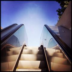 Le grand bleu [Explored 17|06|2014] (berardici) Tags: blue paris 2000 mr escalator bleu reflet 600 400 200 100 300 500 700 3000 800 1000 900 musedorsay cielbleu transilien 15faves rerc 30faves 5faves 10faves 20faves explored 40faves bleuazur hipstamatic objectifjane filmrasputin janerasputin escalier4