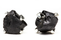 Onyx (joe-stanton) Tags: macro canon flash jewelry commercial earrings product onyx speedlite strobist