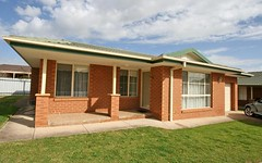 1/8 Honeysuckle Place, Lake Albert NSW
