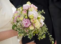 Newlyweds (aaberg) Tags: pink flowers wedding white green germany may mai tyskland bryllup 2014 gifhorn brudebukett bridesbouquet