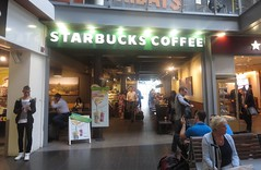 Starbucks at Piccadilly Station (cohodas208c) Tags: piccadilly coffeeshop starbucks trainstation railstation mancehster