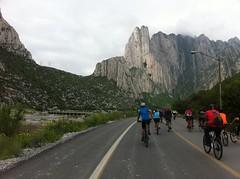 IMG_4126 (pueblobicicletero) Tags: santacatarina 2014 lahuasteca seguridadvial ciclismourbano sanpedrogarzagarca movilidadsostenible biciblanca parqueecolgicolahuasteca ciclismodeportivo
