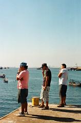 (Jeremy Hatcher) Tags: chile sea mar smoking jvenes cigarro mejillones fumando
