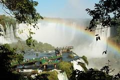 Natureza (MBSBrito) Tags: brazil naturaleza nature water argentina água brasil waterfall rainbow natureza arcoíris cachoeira iguazu foz cascada iguaçu fozdoiguaçu