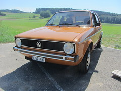 VW Golf GL MkI, 1977 (v8dub) Tags: vw golf gl mk i 1977 1 schweiz suisse switzerland bleienbach german pkw voiture car wagen worldcars auto automobile automotive youngtimer old oldtimer oldcar klassik classic collector