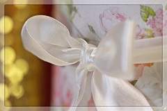 """(#3.259) Macro Mondays """"Happy 10 Years!"""" (unicorn 81) Tags: 150mm macromondays happy10years makro geschenk geburtstag schleife rosa weis nahaufnahme 10jahre present birthday loop pink white closeup macro 10years closeupview"""