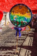 Lollipop (_Rjc9666_) Tags: alentejo art candy lollipop nikkor35mm18 nikond5100 paperflowers redondo smurf street voradistrict portugal 628 3