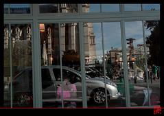 """Auto portrait"" dans la vitrine.... (mamnic47 - Over 5 millions views.Thks!) Tags: paris autoportrait 206 monuments reflets notredamedeparis vitrine envoiture grve lesgens photosderue photosprisesenvoiture"