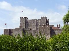 Dover, Kent (Oxfordshire Churches) Tags: uk england castles kent unitedkingdom flags norman panasonic unionflag dover englishheritage mft listedbuildings cinqueports gradeilisted johnward micro43 microfourthirds englishheritageflag lumixgh3 unionsjack