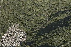 Foto aérea do livro Aéreas do Brasil (fotografiasaereas) Tags: brazil brasil buch book photobook aerialphoto livro aerialphotography luftbild fotoaérea aerialphotos aerialimage fotosaéreas fotografiaaérea fotolivro imagemaérea aerialimagery imagensaéreas cássiovasconcellos fotografiasaéreas aerialphotographies wwwfotografiasaereascombr editorabei