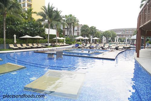 intercontinental hua hin swimming pool