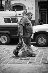 (Daniel Iván) Tags: street portrait blackandwhite méxico mexico blackwhite calle retrato fat streetphotography streetportrait cleaning mexican mexique worker gordo valledebravo escoba trabajador blackwhitephotography blackwhitephoto limpieza blackwhitephotos fotografíadecalle retratodecalle