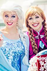Elsa and Anna (abelle2) Tags: anna frozen princess disney disneyworld wdw waltdisneyworld elsa disneyprincess royalwelcome hollywoodstudios disneyshollywoodstudios