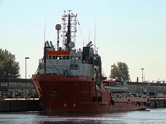 Artemis (IMO 8321591) (Parchimer) Tags: schiff cuxhaven supplyvessel versorger tugsupplies