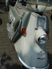 Heinkel Tourist 103 A2 (QQ Vespa) Tags: old vintage germany alt scooter tourist heinkel roller a2 103 motorscooter motorroller youngtimer 60er wirtschaftswunder sixtys 103a2 blechroller