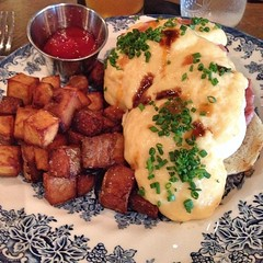 "Sunday brunch at @thistlepig is becoming a weekly affair.  Locally raised ingredients, casual atmosphere, great staff, and craft beer are a winning combination. This seems like the perfect way to start the week, doesn't it?  #local • <a style=""font-size:0.8em;"" href=""http://www.flickr.com/photos/54958436@N05/15125009250/"" target=""_blank"">View on Flickr</a>"