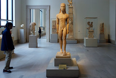 New York Kouros with viewer