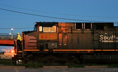 SP Resting at SJ Jct. in Topeka (Jeff Carlson_82) Tags: nightphotography ri railroad up night train ks railway sp kansas unionpacific bluehour topeka ge railfan rockisland crip southernpacific 6270 ac4400cw sjjct