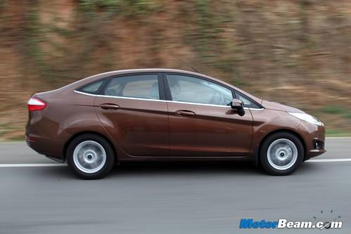 2014-Ford-Fiesta-02