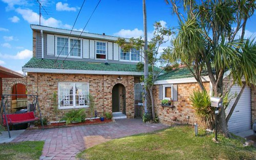 220 Flagstaff Road, Lake Heights NSW 2502