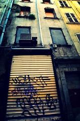 Vertigo (Jean-Luc Lopoldi) Tags: decay urbandecay sud vieilleville coupegorge innercities