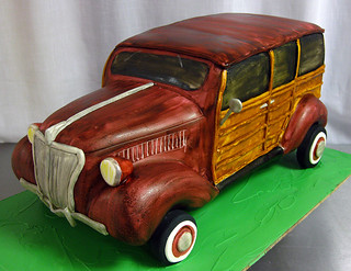 35 Ford Woody Cake med