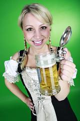 Oktoberfest Girl (FotoDB.de) Tags: oktober münchen mas oktoberfest bier frau krug dirndl