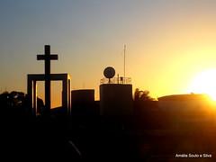 Sunset... (Amalia Souto Silva) Tags: sunset luz brasil nikon dourado igreja fotografia pernambuco templo religio imagem nordeste entardecer oraes brasilemimagens