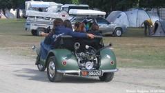 Le 3iker Chevaux (XBXG) Tags: old france classic bike race vintage track euro citroën 2006 motorbike mans le moto 2cv motorcycle trike motor frankrijk bugatti circuit 72 lemans eend geit chevaux sarthe 2pk citroën2cv motorfiets deuche deudeuche citro eurocitro 3iker