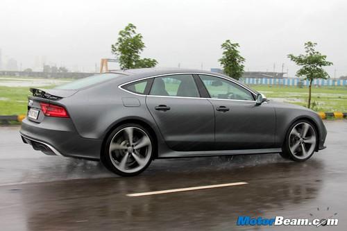 2014-Audi-RS7-04