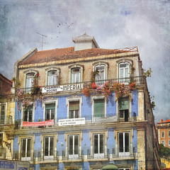 Imperial Rooms (AsAbel14 - Mostly Off) Tags: travel flowers windows summer signs painterly portugal schilder beautiful buildings square outdoors hotel reisen europa europe seasons lisboa lisbon sommer balcony balkon fenster jahreszeiten memories cityscapes textures ventanas imperial lissabon gebude textured quadrat quadratisch flypaper texturen malerisch texturiert distressedjewell catchycolorscolorfulworld