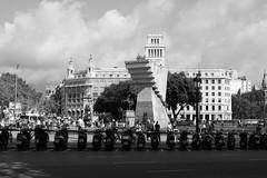 Plaça de Catalunya, Barcelona (RW-V) Tags: canoneos60d canonefs1755mmf28isusm barcelona plaçadecatalunya francescmaciàillussàmemorial bw sw noiretblanc scooters 2500views 3000views 3500views 4000views 5000views 6000views 7000views 7500views