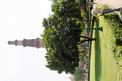 Delhi - Qutub Minar & Gardens (Le Monde1) Tags: india gardens carved nikon vishnu delhi tomb columns courtyard mosque unesco worldheritagesite sultan hindu cloisters minar masjid qutubminar northernindia iltutmish alauddinkhalji d7000 lemonde1 shamsuddiniltutmish vishnupada