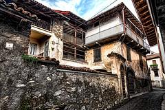 Bossico - Antica casa contadina abbandonata #2 (Marco Trovò) Tags: street city strada italia bergamo lombardia hdr città itally canoneos5d bossico marcotrovò marcotrovo