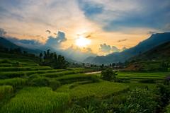 Sunset in Sapa, Vietnam (CamelKW) Tags: sunset hills vietnam sapa riceterraces hilltown hilltribe northernvietnam hilltribesvillages vietnam2014