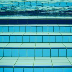 pool (a.penny) Tags: texture pool square nikon wasser pattern underwater unter land coolpix muster quadrat idstein schwimmbad apenny niedernhausen idsteiner aw120