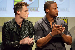 Colton Haynes and David Ramsey, Arrow, Comic-Con 2014 (Emese Gaal) Tags: sandiego flash constantine arrow gotham comiccon warnerbrothers sdcc comiccon2014 sdcc2014