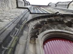 Gótico holandês (Pedro Valadares) Tags: leiden holanda nederland netherlands igreja church arquitetura architecture patrimônio heritage vertical verticalidade verticality gótico gothic