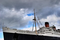 RMS Queen Mary (Photopoems) Tags: longbeach oceanliner ships queenmary