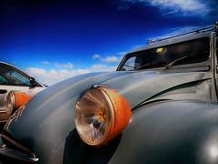 deux chevaux (roberke) Tags: auto automobiel car sky lucht wolken clouds outdoor detail koplamp roest rusty 2pk