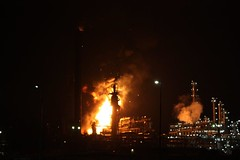 Slideshow Moerdijk door Carlos van Veen (Omroep Brabant) Tags: shell brand industrieterrein moerdijk