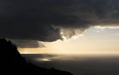 Light it up (CNorthExplores) Tags: ocean light cloud sunlight canon hawaii oahu horizon pacificocean g11 mokuleia