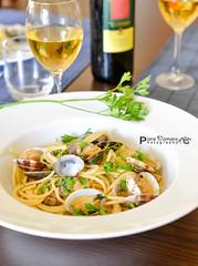 Pasta di grano duro e vongole veraci (pierodmr) Tags: food fish italian nikon vine pasta mm 50 vongole styling d800