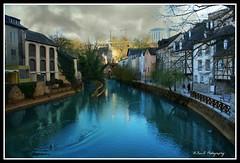 Au coeur de la vielle ville ....La Rivière Alzette et Pétrusse se rejoignent dans le Grand-Duché.