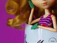 ~251~ (Merli-chan) Tags: light food look cake photography purple princess lumire violet curly pullip curl reine nourriture rosalind regard princesse boucles gteau bonnemaman