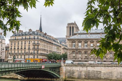 Pont d'Arcole et cathédrale Notre-Dame