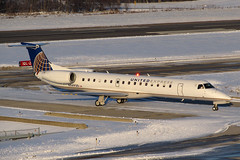United Express ERJ-145LR N14920 at KCMH (Lunken Spotter) Tags: travel winter columbus sunset ohio snow cold travelling ice plane airplane evening frozen flying airport frost december snowy taxi aviation jets airplanes flight jet freezing sunsets slush international planes oh arrival icy airports aviao wintertime airlines flugzeug slushy regional airliner avion airliners strobe airtravel embraer cmh arriving taxiing wintry taxiway flug internationalairport unitedexpress franklincounty erj145 portcolumbus emb145 portcolumbusinternationalairport asq erj145lr emb145lr e145 kcmh centralohio regionalairline embraerregionaljet expressjetairlines regionalairliner n14920