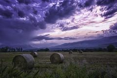 Ocaso (jacobo_gonzalez_castrodeza) Tags: sky colors clouds contrast landscape nikon girona jacobo cerdanya 18mm autofocus d80 platinumpeaceaward