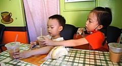 DSC03033 (小賴賴的相簿) Tags: family baby kids zeiss children day sony taiwan childrens taipei 台灣 台北 親子 暑假 木柵 景美 孩子 1680 兒童 文山 a55 anlong77 小賴家 小賴賴的家 小賴賴